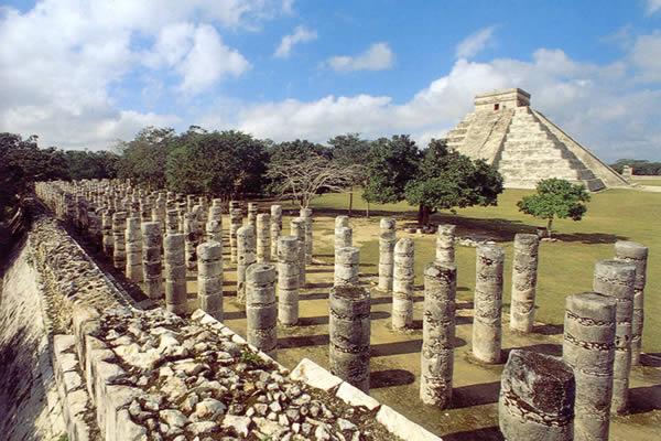 Los mayas palacios y piramides for Arquitectura y arte de los mayas