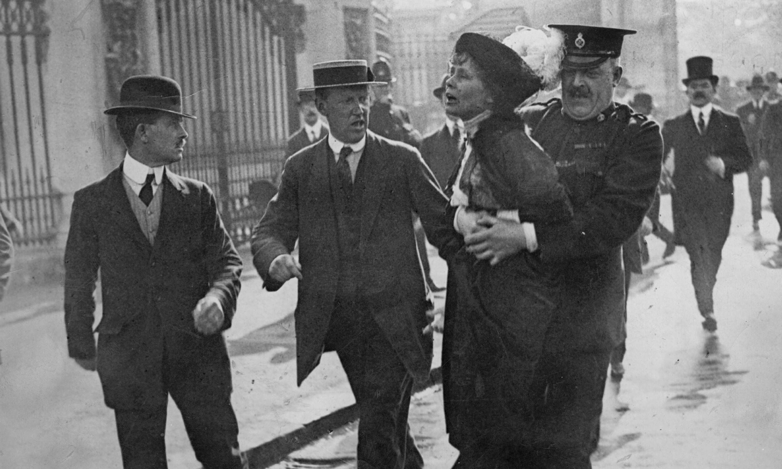 Arresto de Emmeline Pankhurst en Londres (1914)