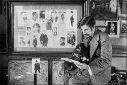 Ramón Acín junto a sus caricaturas (1912-1914)