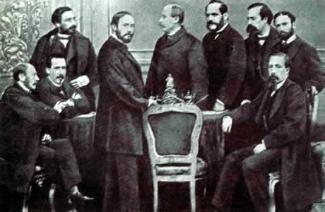 Fco Giner de los Ríos (de pie, segundo por la derecha) con sus compañeros en la Universidad de Granada.
