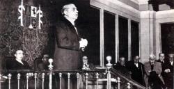 El fiscal de la República, Mariano Gómez, dicta una conferencia en el Paraninfo de la Universidad de Valencia, marzo de 1937 (Archivo General de la Administración, Sección Cultura)