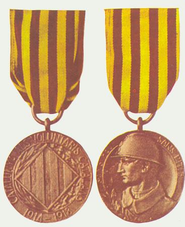 Anverso y reverso de la medalla del «Comité de Germanor amb els Voluntaris Catalans»