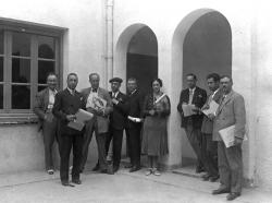 Ramón Acín y otro profesores de dibujo en Madrid. 1932