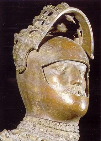 Peter Vischer: El rey Arturo de Bretaña (Hacia 1515. Innbruck. Iglesia de Corte)