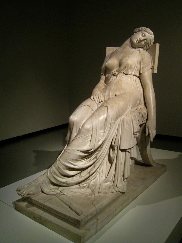 XII. El vestido
