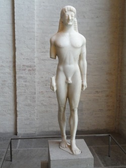 Kouros de Tenea. Siglo VI a. C. Munich. Gliptoteca