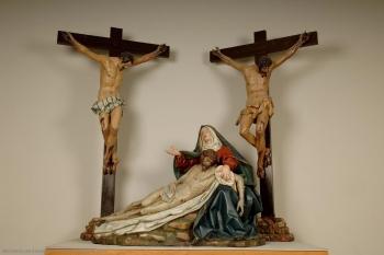 FIGURA 7. Gregorio Fernández: Paso de la Piedad. 1617. Valladolid. Museo Nacional de Escultura.