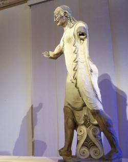 BARRO COCIDO. Apolo de Veyes. Roma. Museo de Vuilla Giulia.