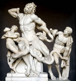 Agesandro, Polidoro y Atenodoro de Rodas: Laocoonte y sus hijos. Siglo II a.C. Roma. Museo del Vaticano