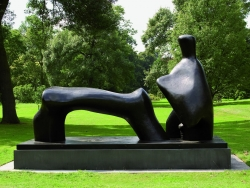 Henry Moore: Figura reclinada. 1969. San Diego Museum of Arte