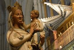 Anónimo: La Virgen Blanca. Mediados siglo XIII. Toledo. Coro de la Catedral