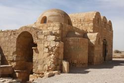 Los Palacios de los Omeyas. Kusayr Amra. Figura 6: una volumetría funcional