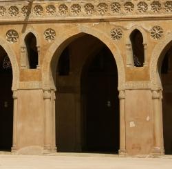 Mezquita de Ibn Tulun. Figura 11: fuerza y sobriedad dele stilo tulunida
