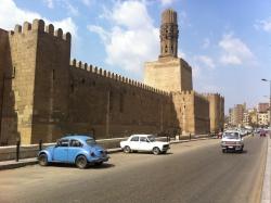 La muralla de El Cairo. Figura 26a-b: torres cuadradas y lienzos de muralla