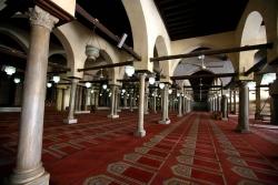 Mezquita de al-Azhar. Figura 20: ligereza de la sala hipóstila