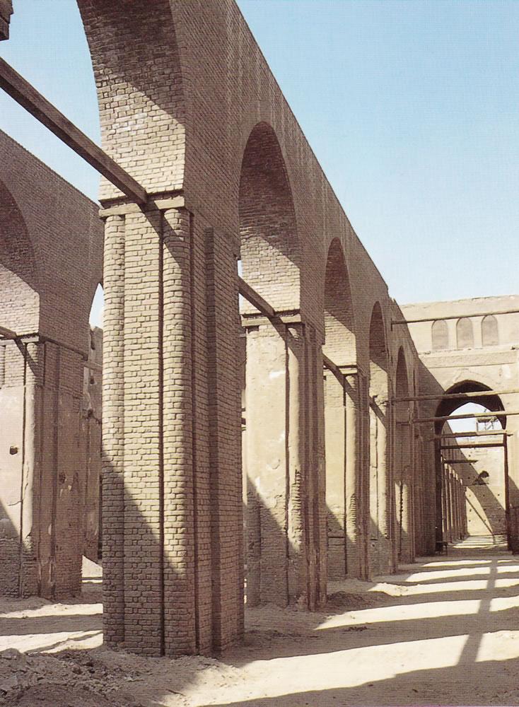 Arcos de ladrillo visto arrabal del puente en el maillo for Arcos de ladrillo rustico