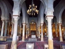 Mezquita de Kairuán. Figura 4: una sala hipóstila muy rica