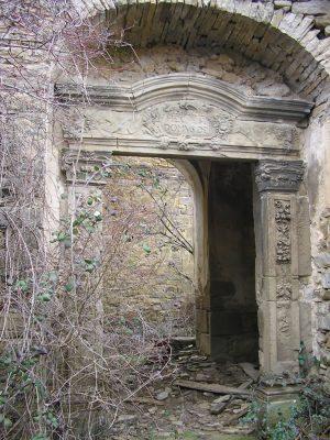 Paternoy. Iglesia. Puerta