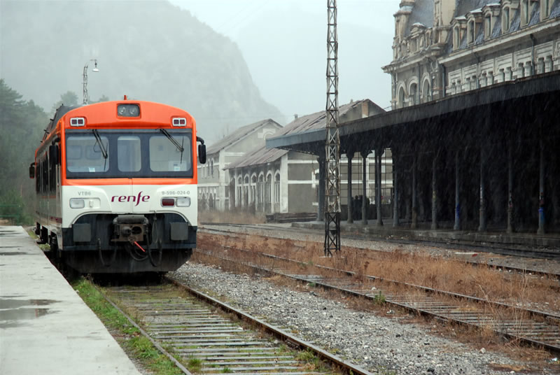 "Fotografía: Estación ""Internacional"" de Canfranc (8 de diciembre de 2006)"
