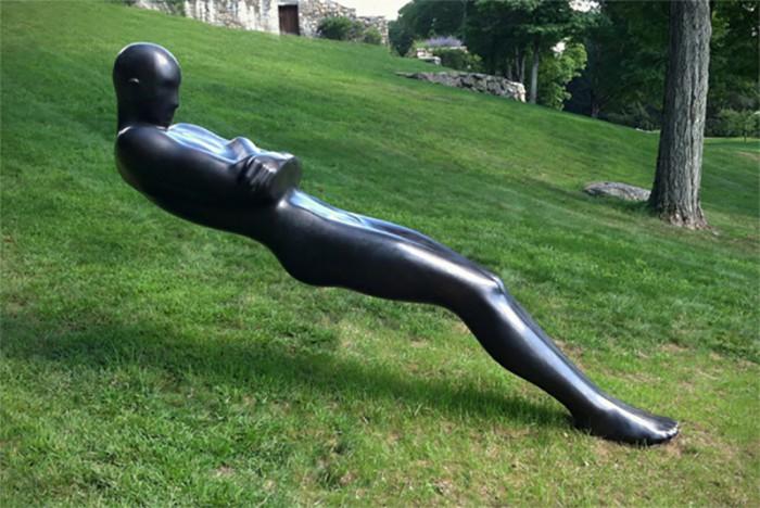 Escultura. Emil Alzamora