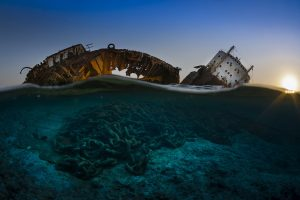 Underwater Photographer (2017): The wreck of the Louilla at sunset