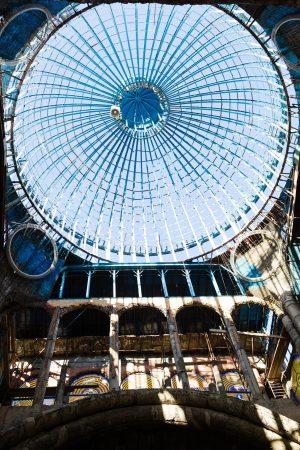 Cúpula de la catedral en proceso, con una altura de 38 metros. Gallego nunca ha contado con un permiso de construcción ni financiamiento público para el proyecto. Credit Gianfranco Tripodo para The New York Times