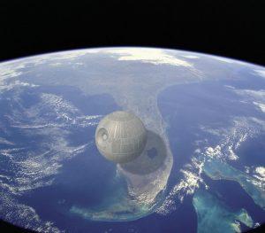 Si existiera, así veríamos a la Estrella de la Muerte (unos 160 Km. de díametro) sobre Florida.