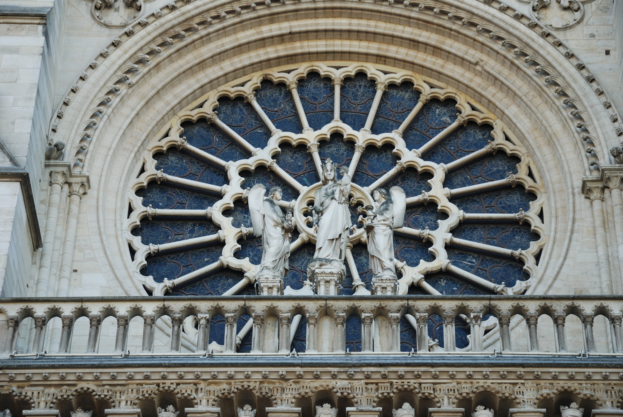 Notre Dame. Rosetón fachada occidental