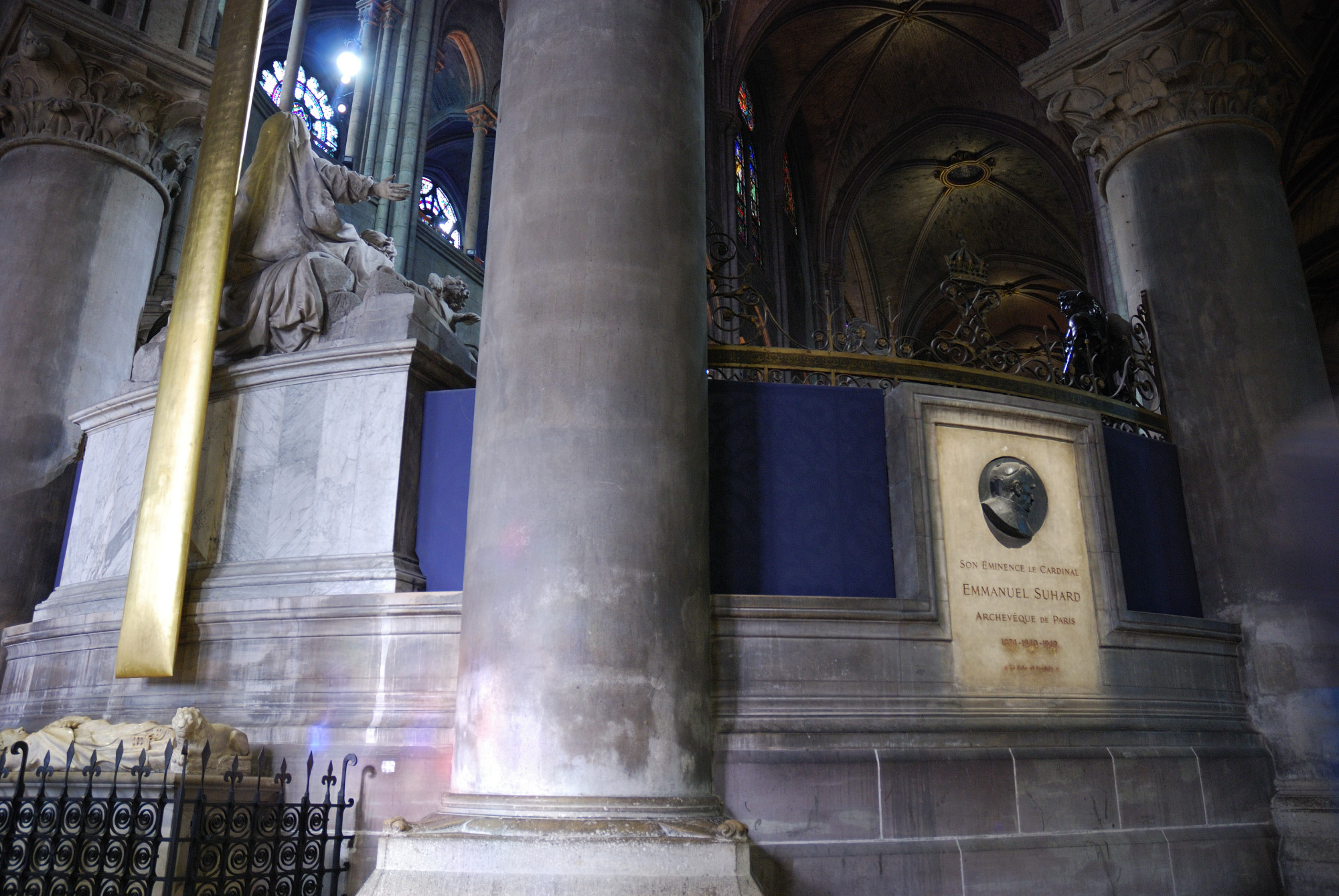 Notre Dame. Memorial de Emmanuel Suhard