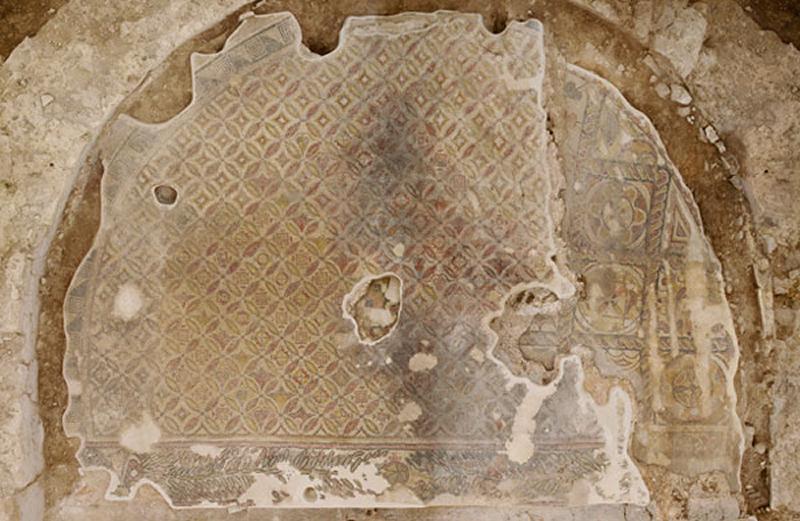 Vista cenital del mosaico de la exedra este.