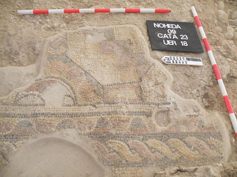 Vista cenital del mosaico geométrico localizado en el Departamento 3