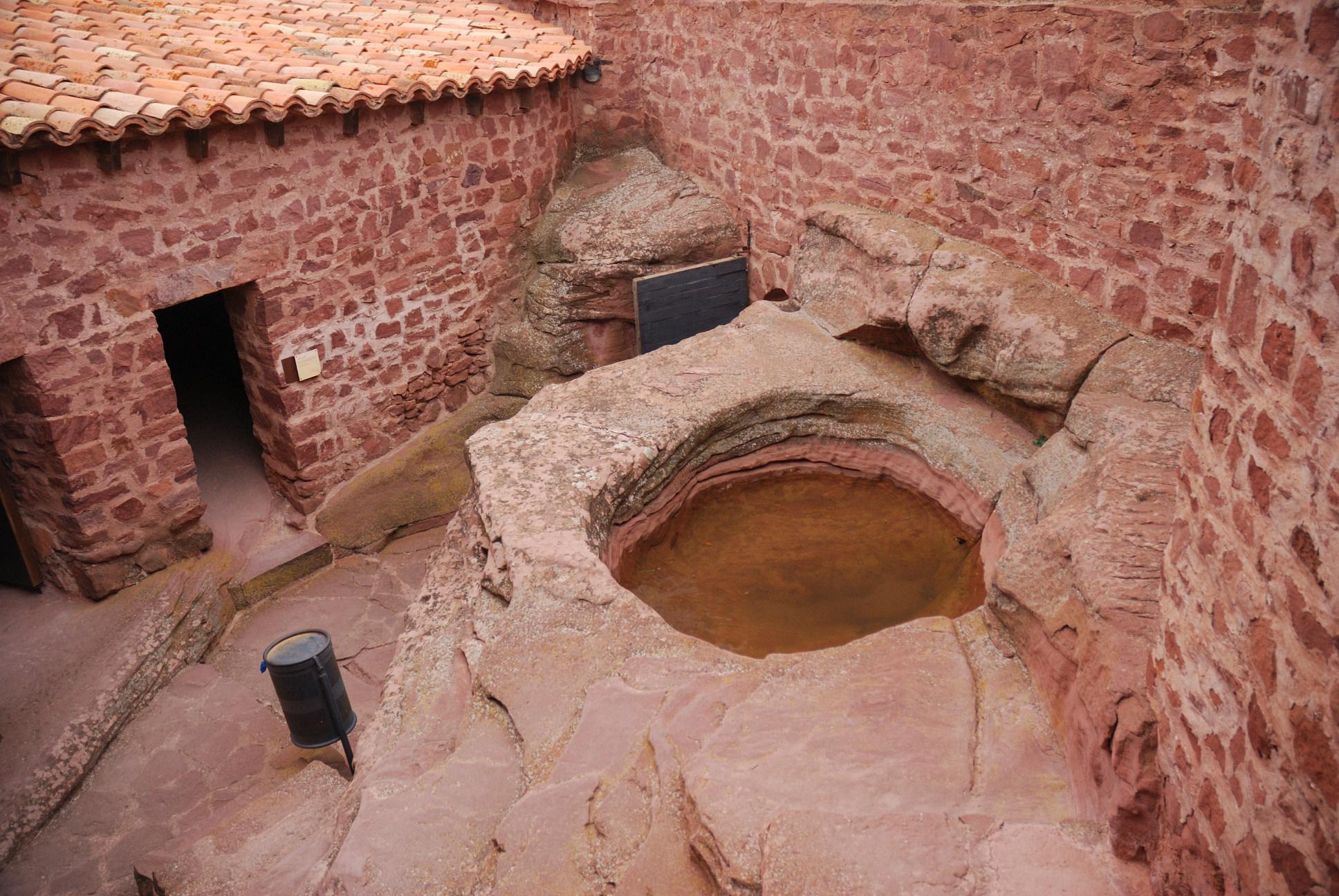 El castillo de Peracense: aljibe recinto superior