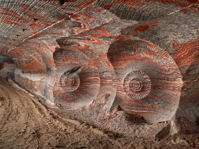 Minas de potasa que socavan Berezniki (Siberia). Fotografía de Edward Burtynsky