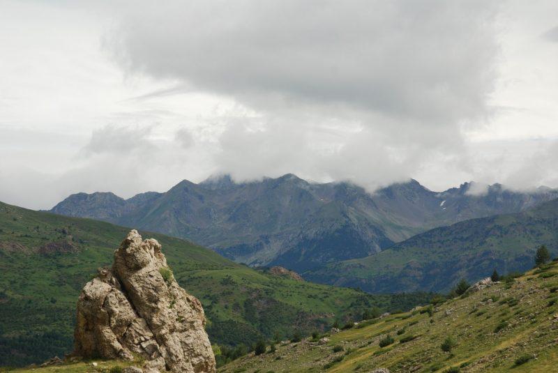 Circular ibón y arco geotécnico de Piedrafita