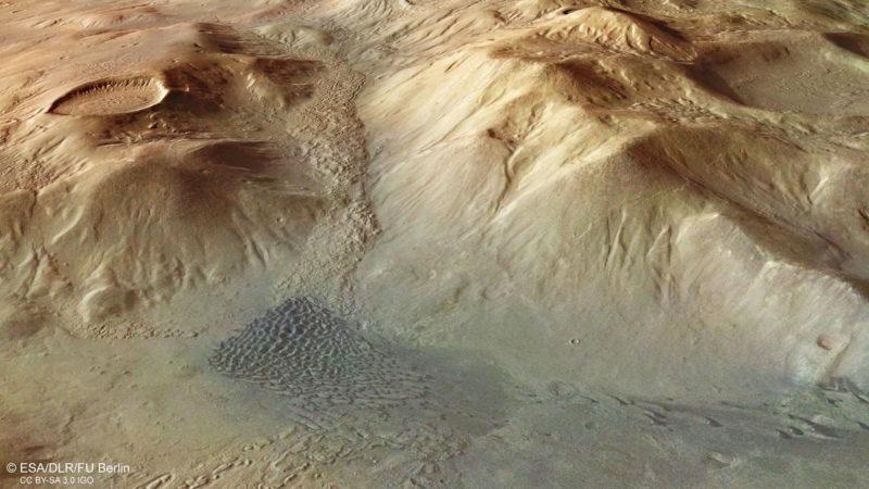 Nereidum Montes fotografiada por Mars Express