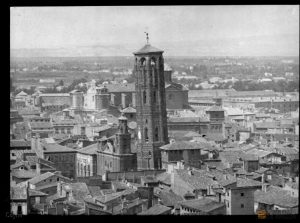 Vista de la Torre Nueva y de la Iglesia de San Felipe (1892). Estudio Coyne