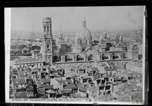 Vista de la Catedral Basílica de Nuestra Señora del Pilar desde la Torre Nueva (1892). Estudio Coyne