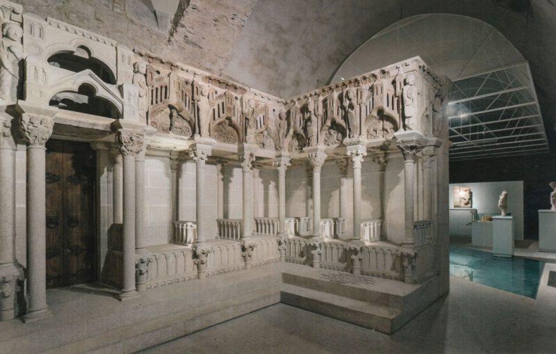 Reconstrucción del coro del Maestro según Ramón Otero y Ramón Yzquierdo Perrín. Santiago de Compostela, Museo Catedral