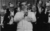 Gabriel García Márquez, durante la entrega del Nobel, en 1982. AP