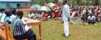 Un tribunal «gacaca» dans le sud du Rwanda en 2005. (Keystone)