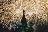 "Fireworks explode above St. Basil's cathedral during the ""Spasskaya Tower"" international military music festival at Moscow's Red Square, Russia, September 10, 2015. REUTERS/Maxim Shemetov"