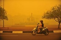 Forest fires have been burning out of control across Indonesia for months, blanketing Palangkaraya in Central Kalimantan province and other parts of South-East Asia in smog. Credit Hugo Hudoyoko/European Pressphoto Agency