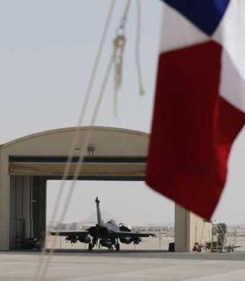 Un Rafale sur une base militaire du Golfe, le 17 novembre. Photo Karim Sahib. AFP