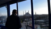 A man looks at the Blue Mosque near the site of a blast in Istanbul's tourist hub of Sultanahmet on 12 January 2016. Photo by Getty Images.