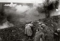 French troops under shellfire during the Battle of Verdun. Credit General Photographic Agency/Getty Images