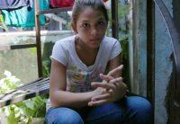Cuando un miembro de una pandilla en Honduras le dijo a Elena que fuera su novia, y a pesar de que sólo tenía 11 años, ella sabía que no lo podía rechazar. Credit Nicole Salazar/Show of Force -- Humanity on the Move.
