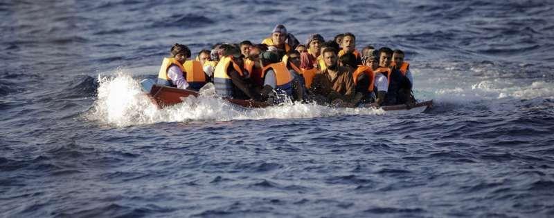 Migrants en grand péril au nord de Sabratha, en Libye. © Santi Palacios / Emilio Morenatti