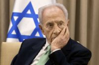 Shimon Peres in 2013 in Jerusalem. (Sebastian Scheiner/Associated Press)