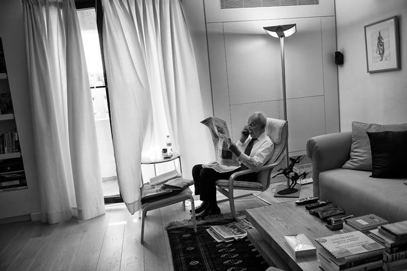 Shimon Peres at home in Jerusalem just before celebrations to commemorate his 90th birthday in 2013. Credit Lynsey Addario for The New York Times