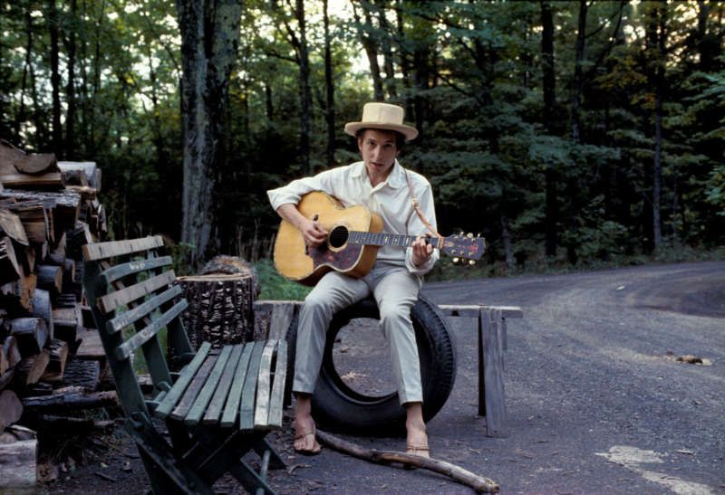 Bob Dylan outside his Byrdcliff home, Woodstock, New York, 1968